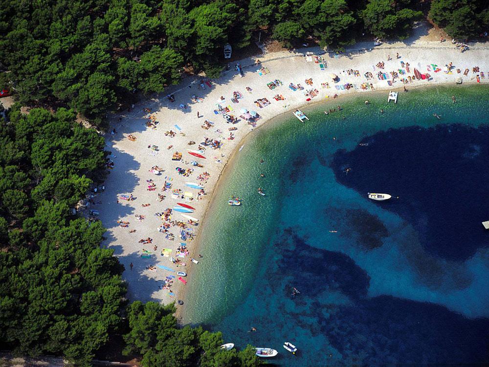 Primosten in croazia tra i mari pi belli del mondo for I telefoni piu belli